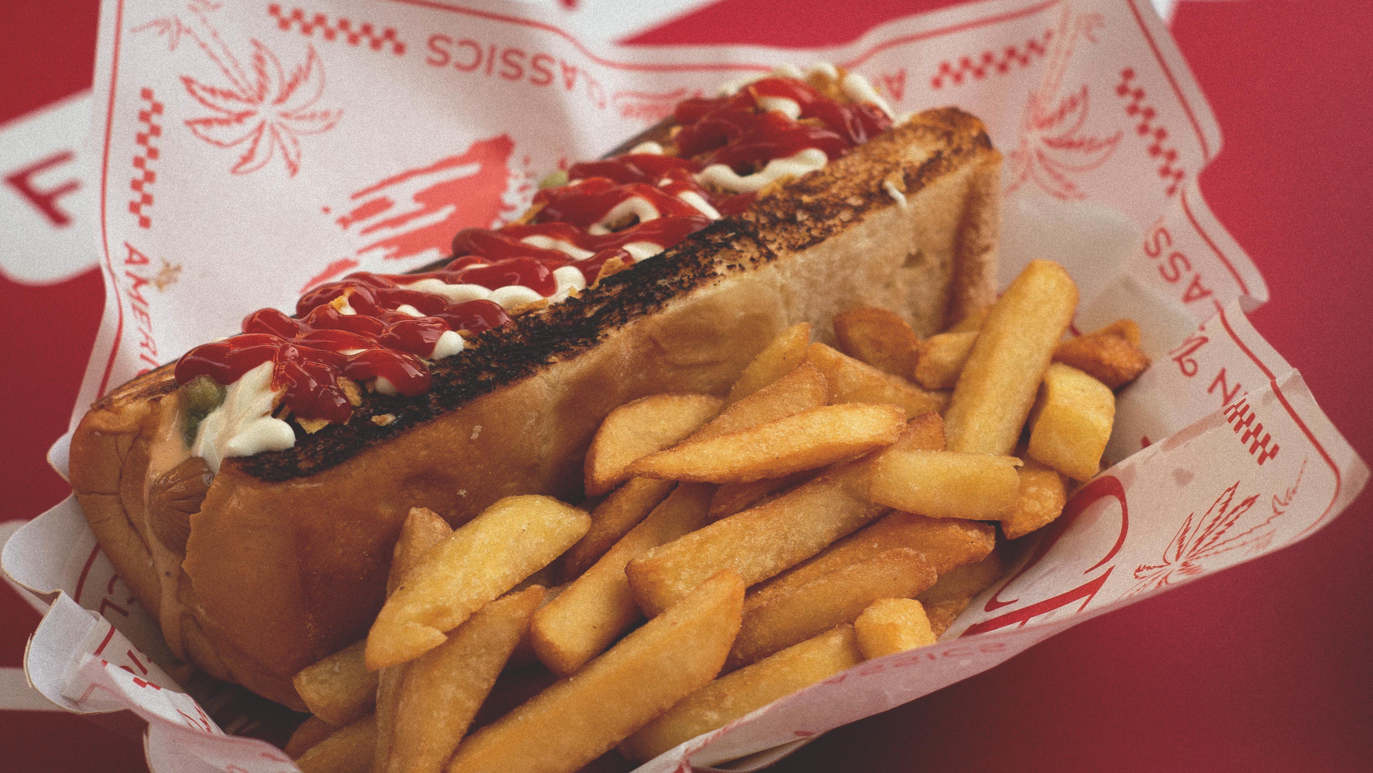 Lacunza Academia inglés adultos intensivos hot dog